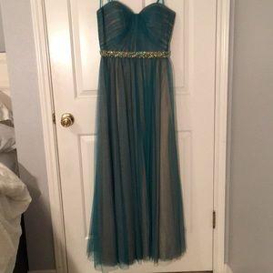 Stunning teal prom/banquet dress!